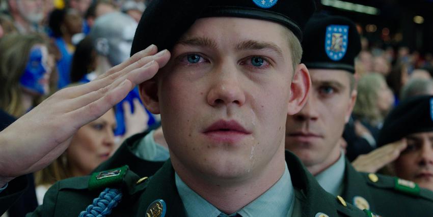billy lynn fa il saluto militare ed è visibilmente commosso - nerdface
