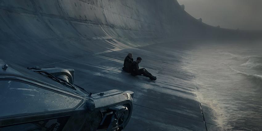 un uomo è seduto su una diga, in riva all'acqua, e la sua auto volante è parcheggiata di fianco a lui - nerdface