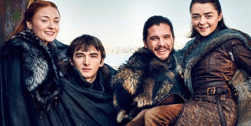 i quattro fratelli stark superstiti in posa sorridenti dopo il finale di game of thrones - nerdface