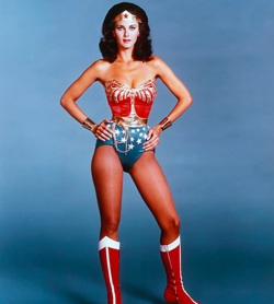 Lynda Carter nei panni di Wonder Woman - nerdface