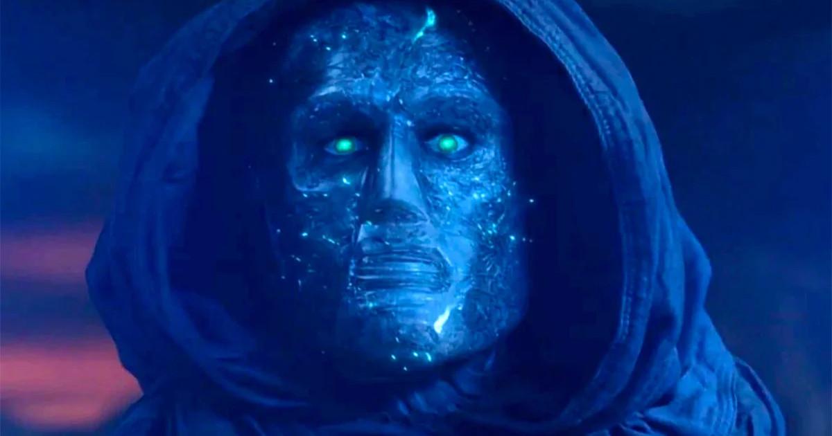 Primo piano di Victor Von Doom nel film Fantastic Four del 2015 - nerdface