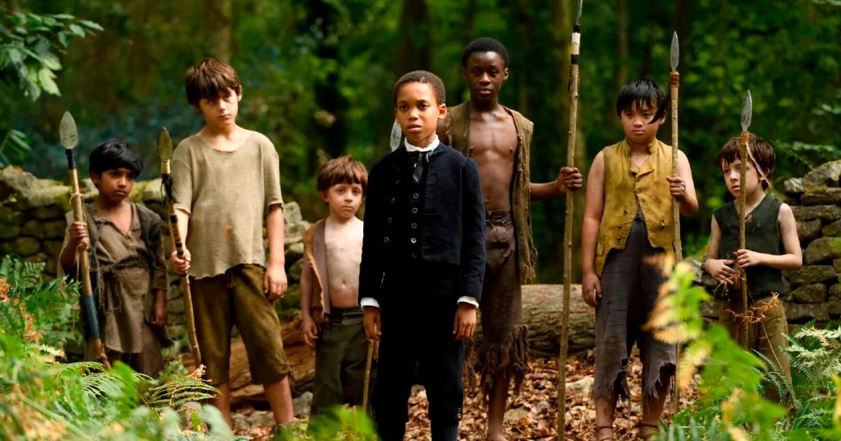 peter è alla guida di un gruppo di bambini armati con alcune lance, i bambini perduti? - nerdface