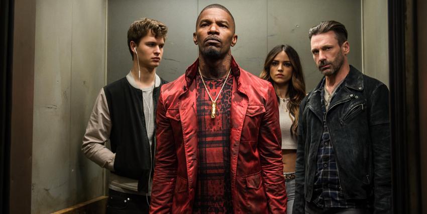 in ascensore il protagonista divide lo spazio coi suoi colleghi criminali - nerdface