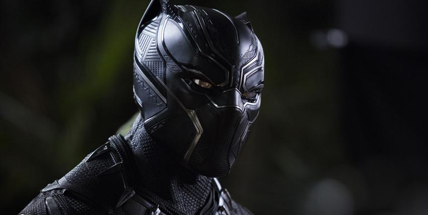 Primo piano di Black Panther - nerdface