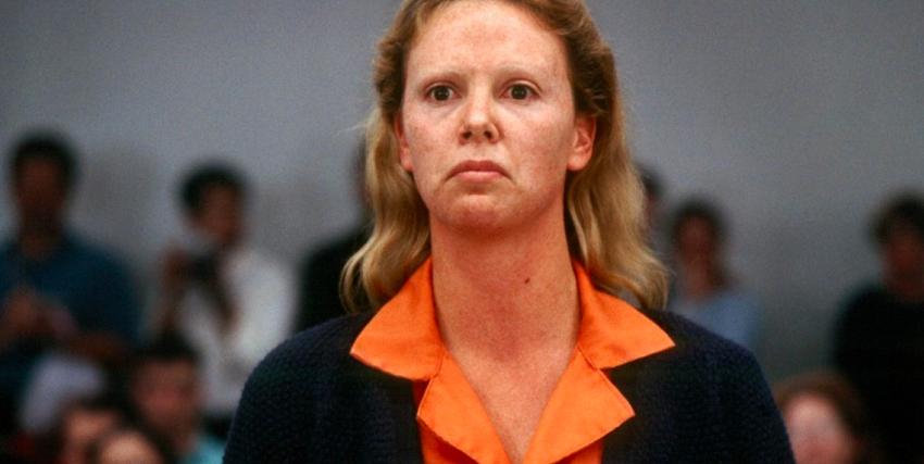 Charlize Theron nei panni della serial killer Aileen Wuornos - nerdface