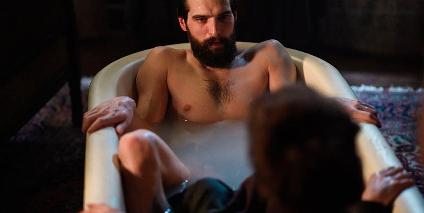 freud è in una vasca da bagno insieme a una donna - nerdface