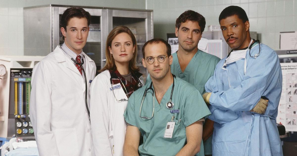 Foto di gruppo del cast di E.R. Medici in prima linea con George Clooney - nerdface