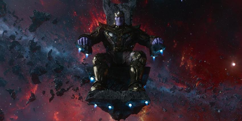 Thanos seduto sul proprio trono - nerdface