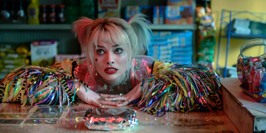 Primo piano di Margot Robbie nei panni di Harley Quinn - nerdface
