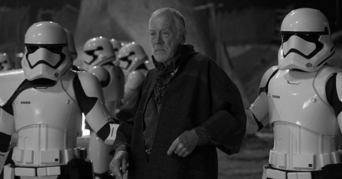 max von sydow circondato da trooper in star wars - nerdface