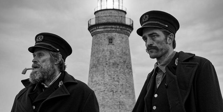 Robert Pattinson insieme a Willem Dafoe in The Lighthouse - nerdface