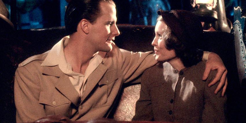 Cecilia e Tom Baxter si guardano negli occhi in La RosaPurpurea del Cairo - nerdface