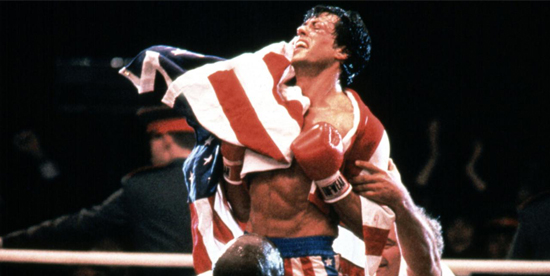 Sylvester Stallone vittorioso in Rocky - nerdface