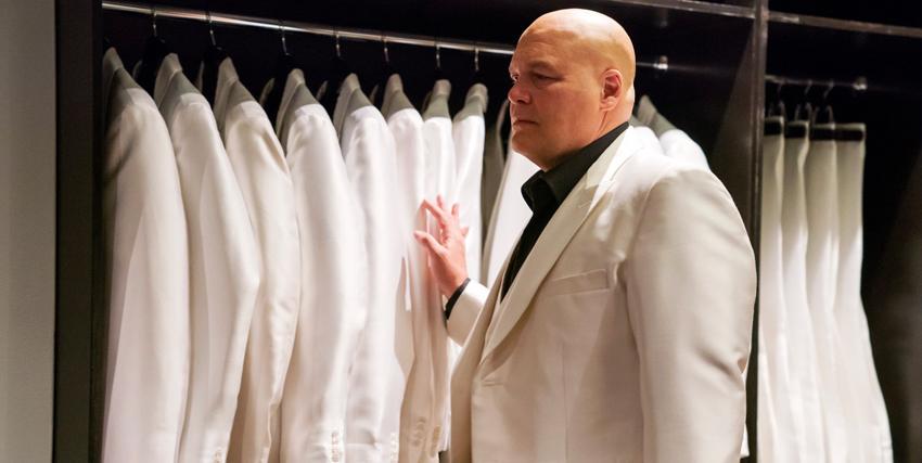 Vincent D'Onofrio interpreta Kingpin e sfoglia tutte le sue giacche bianche uguali - nerdface