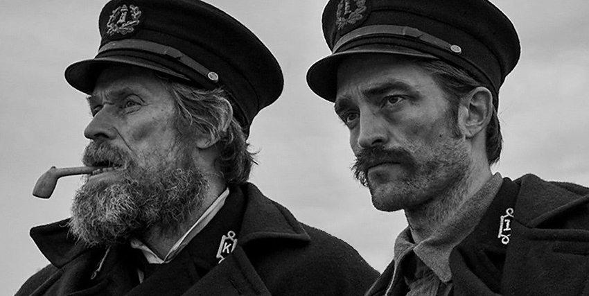 Willem Dafoe insieme a Robert Pattinson in The Lighthouse - nerdface