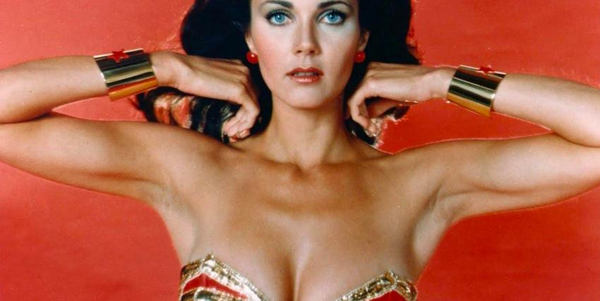 Primo piano di Lynda Carter nei panni di Wonder Woman - nerdface