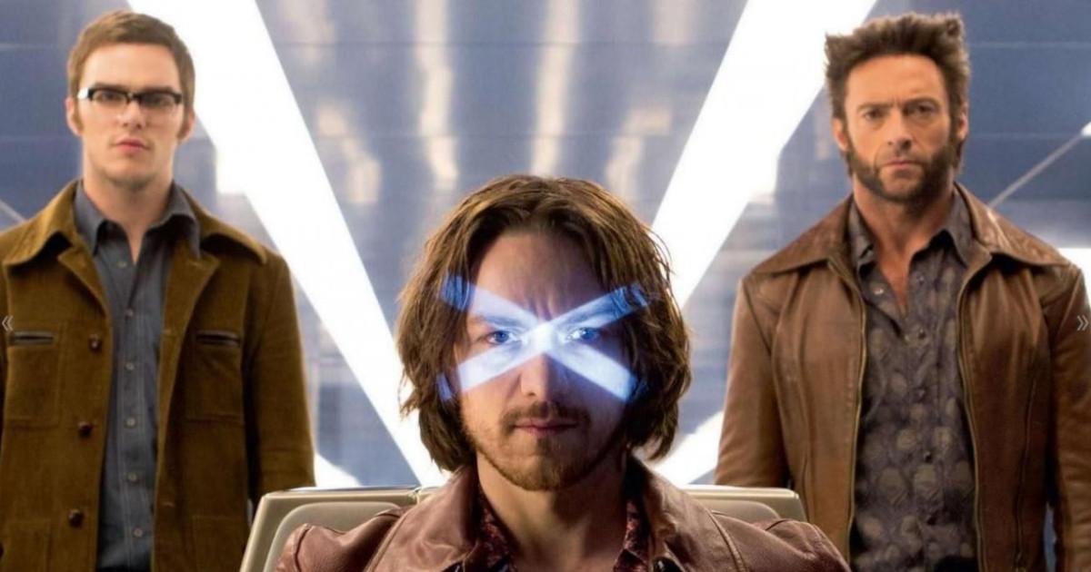 Il giovane professor Xavier con alle spalle Wolverine e il giovane Bestia - nerdface
