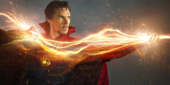 Primo piano di Benedict Cumberbatch nei panni del Doctor Strange - nerdface